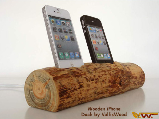 Rustic Wooden iPhone 5 Dock